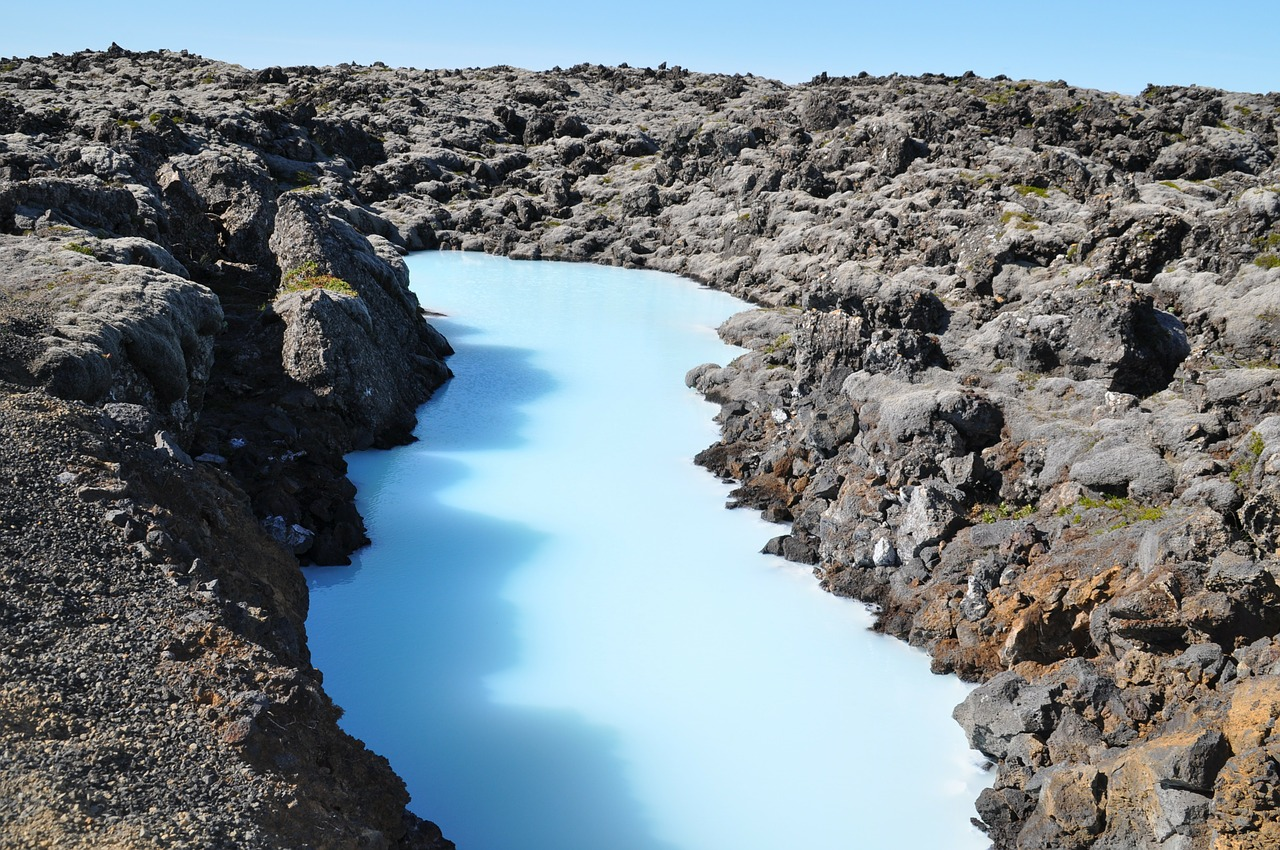blue lagoon geothermal volcanic spring iceland