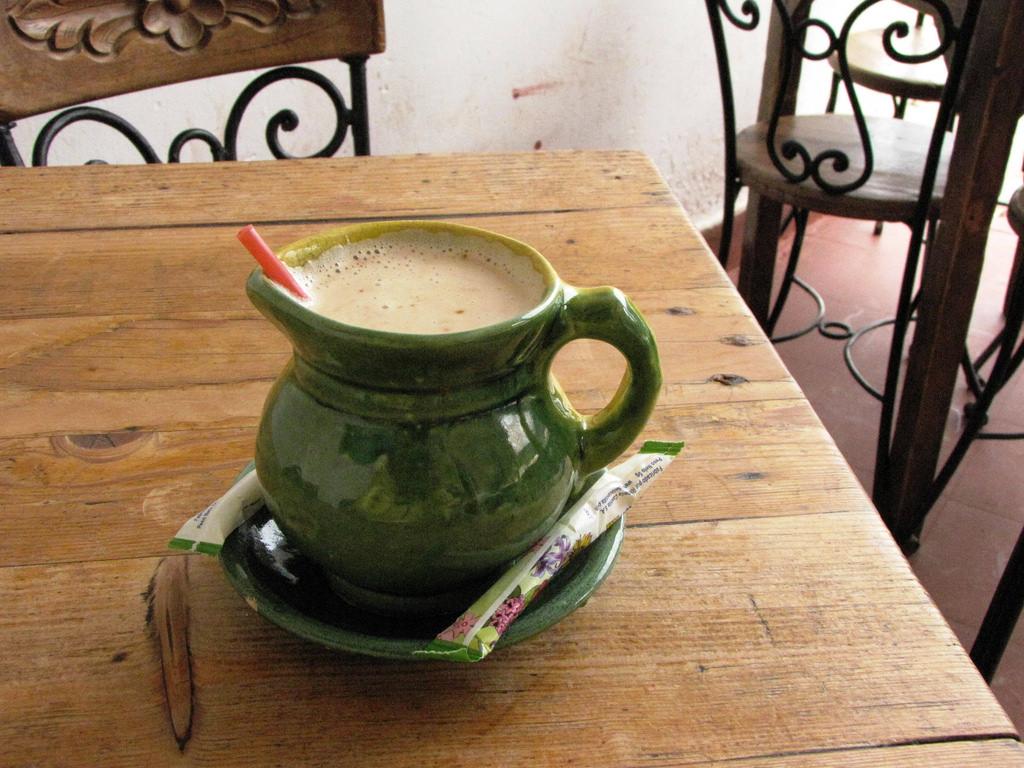 cafe con leche food in cuba