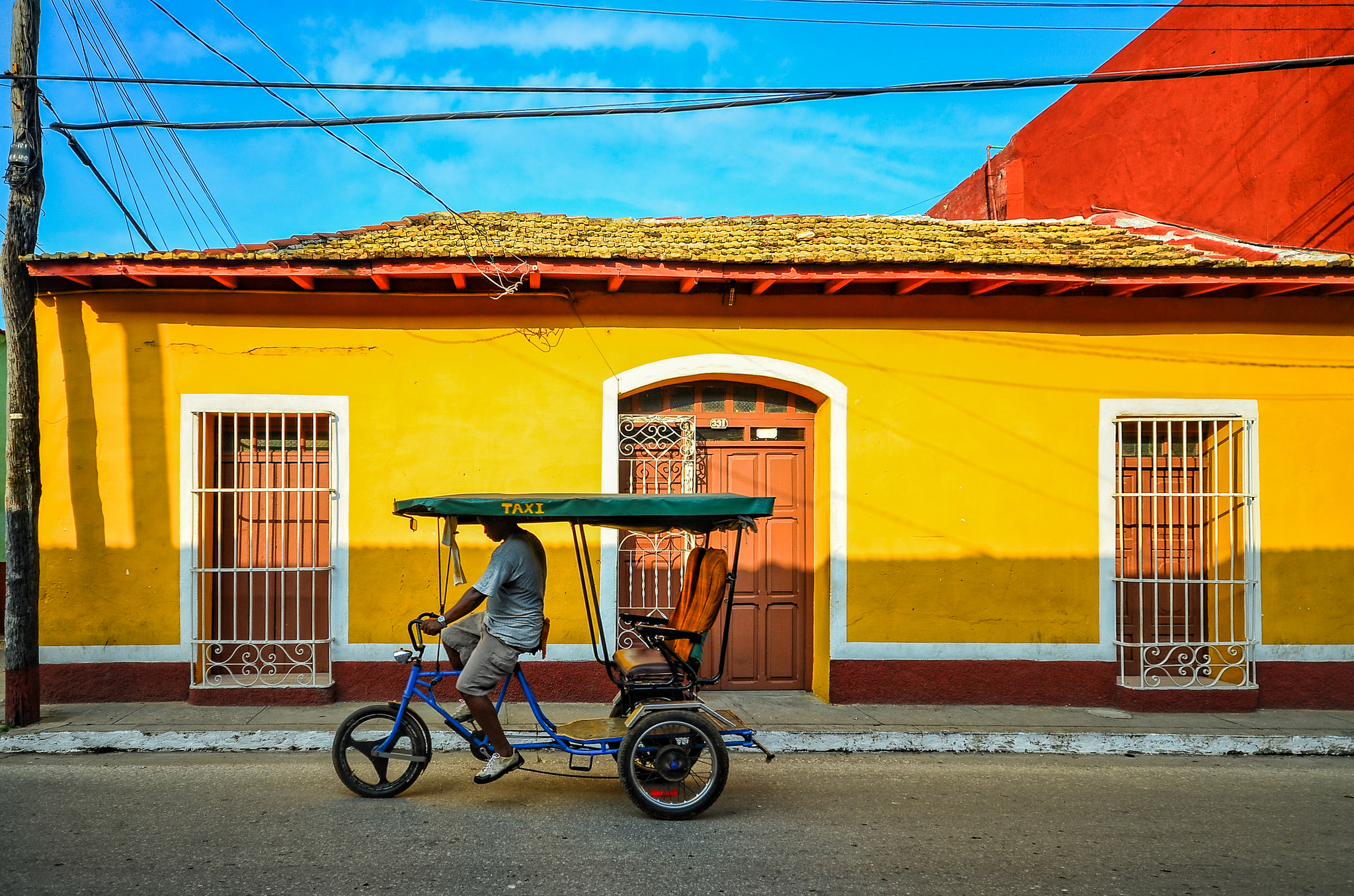 Cruising in Havana. Photo credit: Pedro Szekely