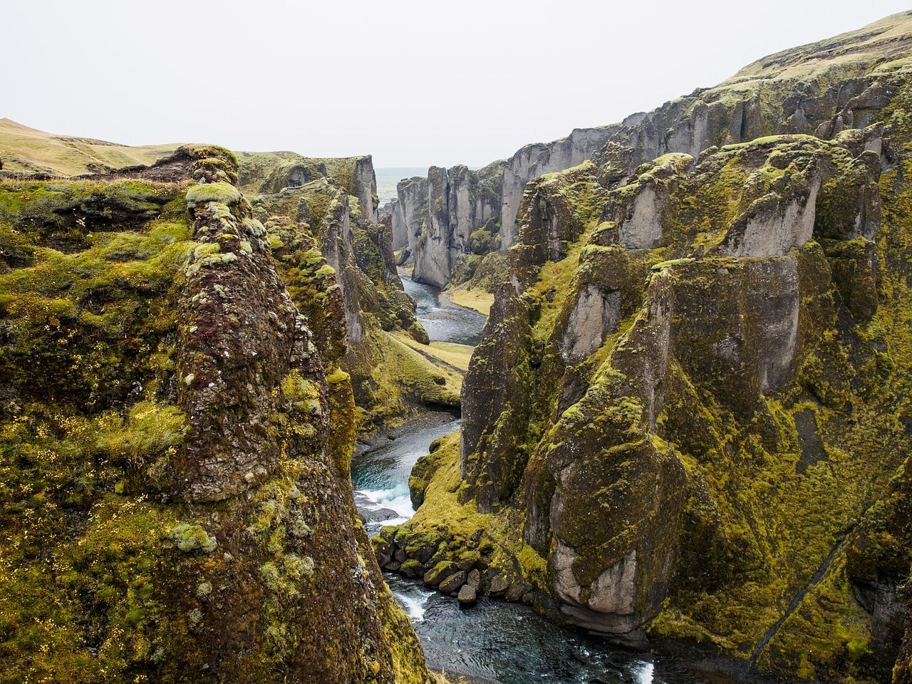 iceland may mountains and river